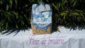 puericulture-panier-cadeau-de-couleur-bleu-16025162-11229564-721581bc69-90042_570x0